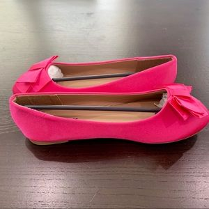 Shoes - Very cute and romantic flat.